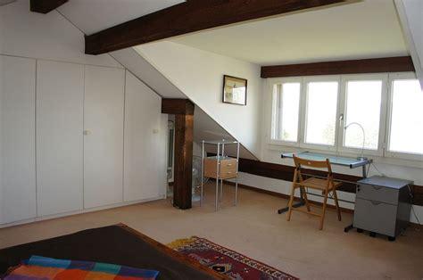 chambre a coucher en coin coin de bureau avec vue sur le lac dans la chambre 224