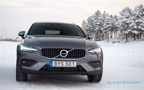 Volvo Pilot Assist 2020 by 2020 Volvo V60 Cross Country Gallery Slashgear