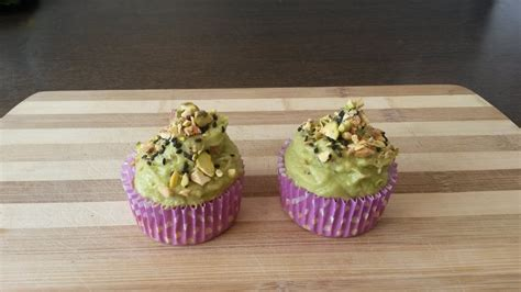 cupcakes salados recetas cupcakes salados de garbanzos con crema verde