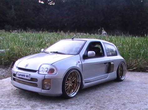 renault clio v6 white renault clio v6 williams universal hobbies diecast model