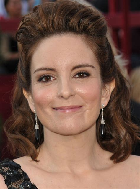 tina fey s halfway up hairstyle with wave at 2010 oscars carpet