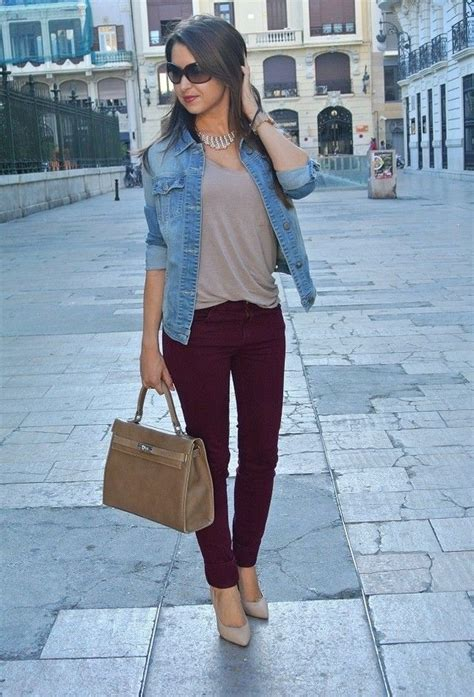 How To Wear A Jean Jacket Without Looking Like A Bag by Best 20 Burgundy Ideas On