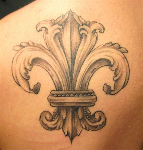collection of 25 fleur de lis collection of 25 fleur de lis