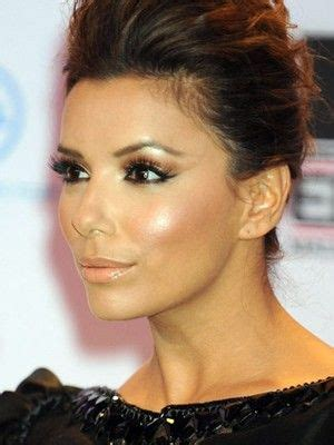 hairstyle that accents eyes and cheek bones eva longoria aces the year round glow highlights