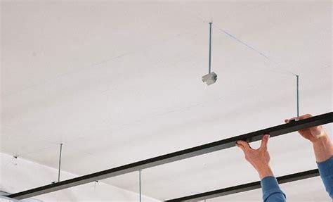 pose faux plafond placo suspendu choisir et monter un faux plafond
