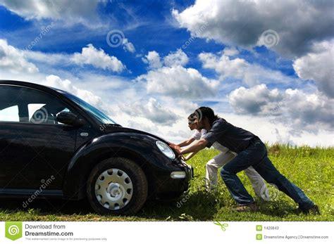 imagenes de lutos para personas fallecidas empujar el coche imagen de archivo imagen de co