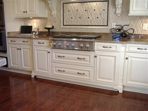 Inset Cabinets vs. Overlay: What is the Difference and