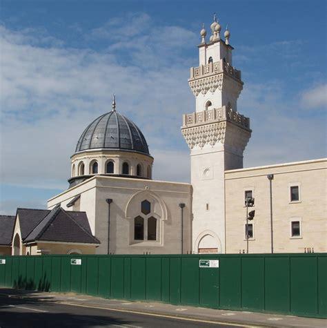 Islam Jalan Tengah By Dr Yusuf Qardhawi Original tanggungjawab memperkenalkan ulama tempat rujukan yang benar dr fathul bari