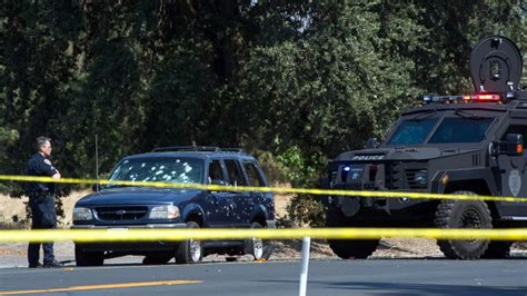 ca bank 3 dead after california bank robbery turns into gun battle