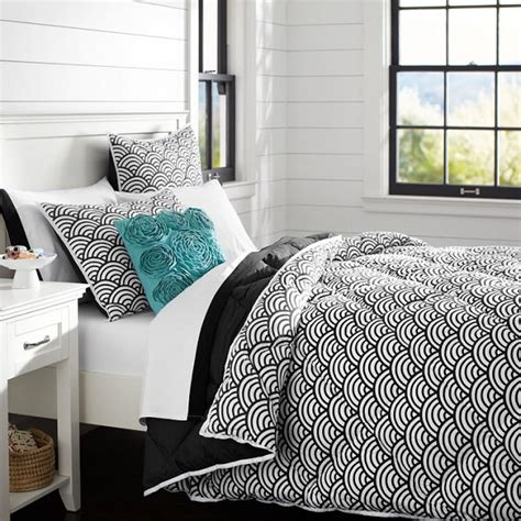 chic black and white bedding for interior