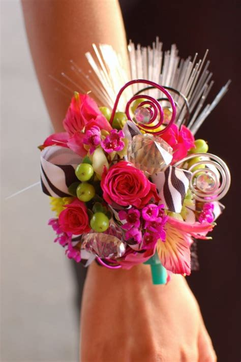 Carset 3 In Hug Flower Dress Hotpink corsage ideas on wrist corsage prom corsage