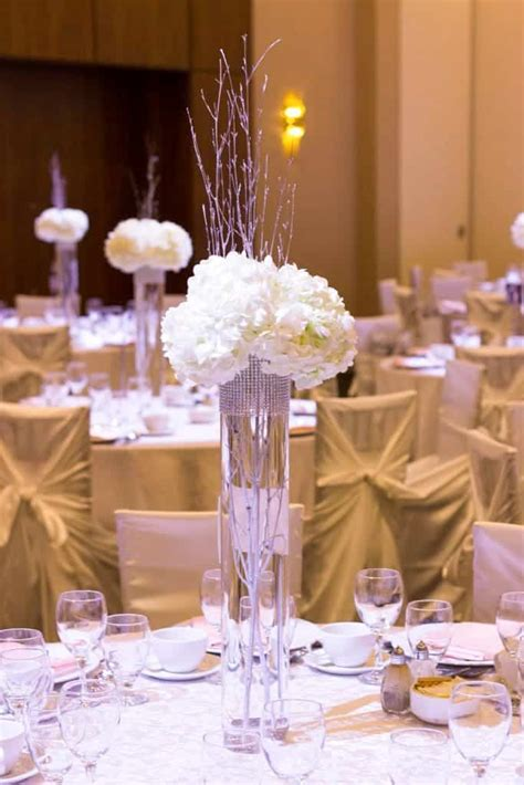 wedding centerpieces ideas not using flowers 25 stunning diy wedding centerpieces to make on a budget ideal me