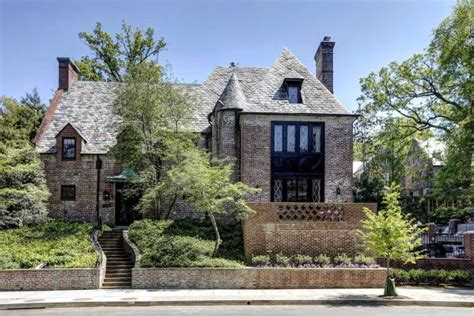 Jennifer Aniston Home Decor by The Obamas Will Rent This D C Mansion After Leaving White
