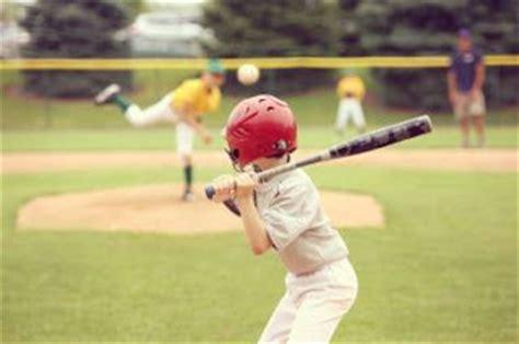 teknik dasar permainan olahraga bola kasti lengkap info