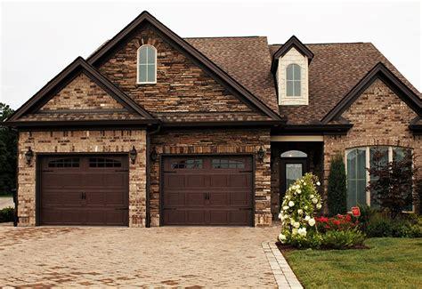 Overhead Door Styles Garage Door Styles Carriage House Garage Doors