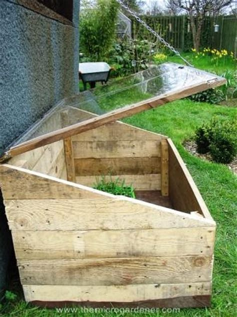 20 Creative Ways to Upcycle Pallets in Your Garden   Hometalk