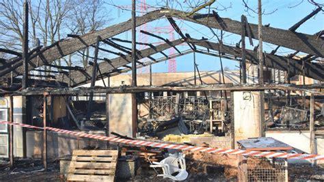 tischlerei bergedorf gro 223 brand zerst 246 rt tischlerei hoher schaden