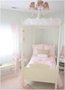 Girl s room in bloom centsational girl