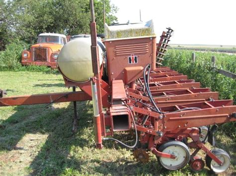 6 Row Planter For Sale by 6 Row Ih Planter Sale Pending Nex Tech Classifieds