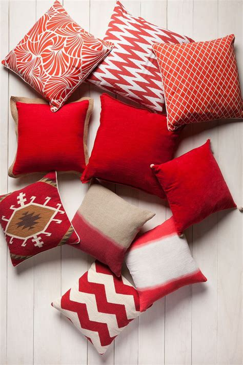 pillows for red couch best 25 red couch pillows ideas on pinterest red couch