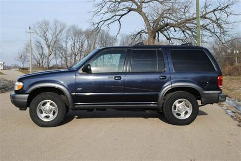 how to sell used cars 2001 ford explorer auto manual sell used 2001 ford explorer xlt 4 0l sport utility 4x4 suv 4wd leather sunroof in dixon