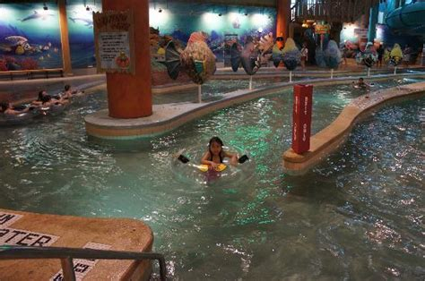 lazy erie lazy river picture of splash lagoon indoor water park resort erie tripadvisor