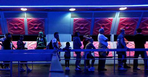 theme park queue management disney articlelarge jpg