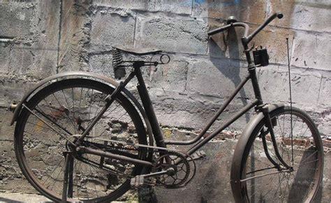 Timbangan Angsa koleksi barang antik sepeda stang bokong terjual