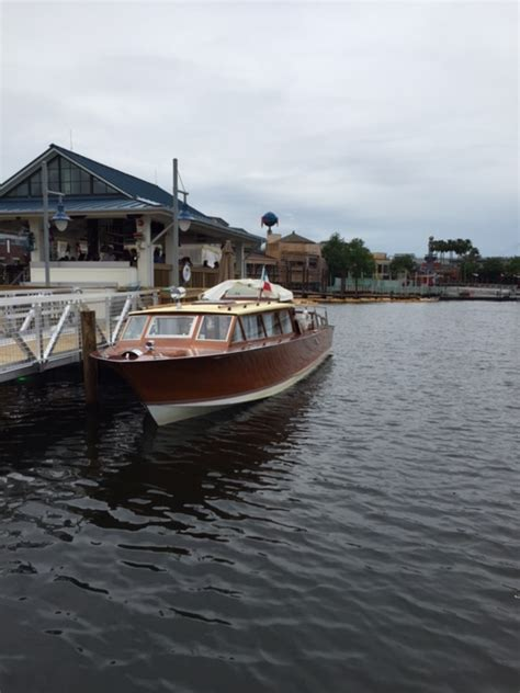 boathouse hull wooden boats quot boathouse restaurant quot the hull truth