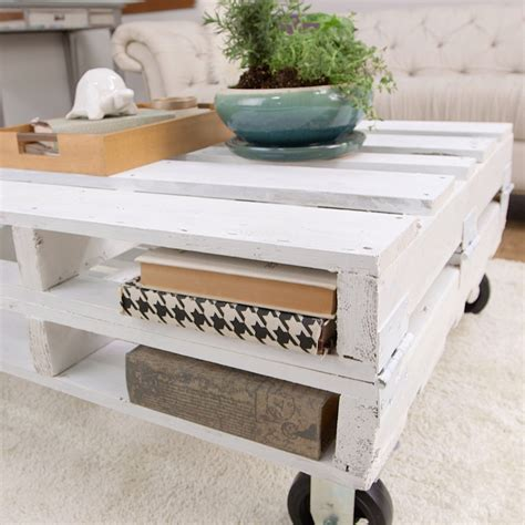 Easy Pallet Coffee Table 11 Diy Pallet Coffee Tables For Any Interior Shelterness