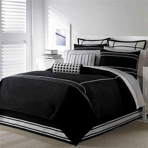 großes bett weiß schwarz idee schlafzimmer