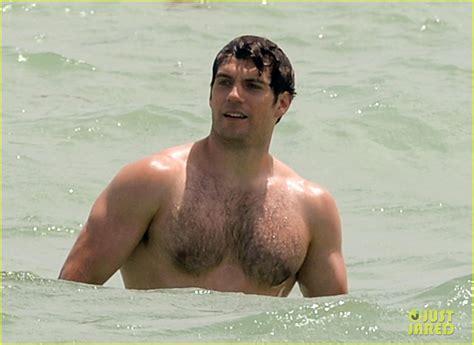 phil mattingly swimming henry cavill bares his buff superman at the