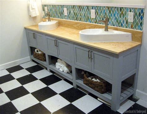 Shaker Style Badezimmer Vanity by A Mirror In A Bathroom Reality Daydream