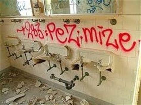 sosial masalah sosial vandalisme