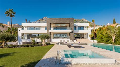 6 bedroom villa stunning 6 bedroom luxury villa in sierra blanca marbella