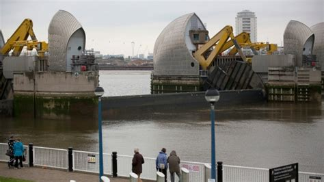 thames barrier rising sea levels how cities are defending themselves against sea level rise
