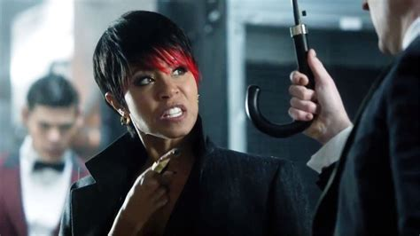 gotham adds jada pinkett smith to its list of rogues gotham jada pinkett smith introduces fish mooney youtube