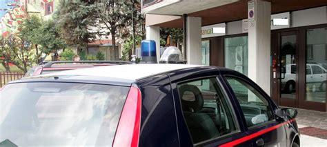 assicurazione auto banco di napoli calitri rapina al banco di napoli ladri in fuga con