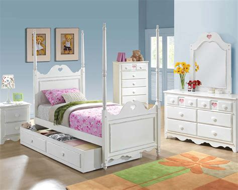 heart bedroom furniture bedroom set w heart shaped design sweetheart by acme