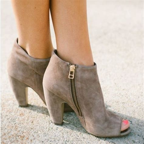 25 best ideas about 2 inch heels on black