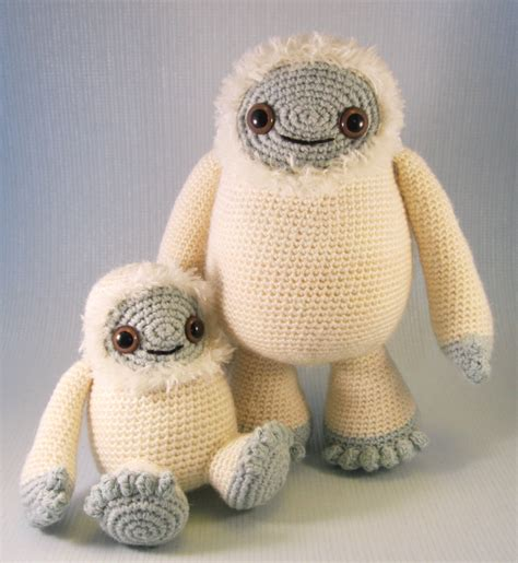 Yeti Crochet Pattern | lucyravenscar crochet creatures yeti and bigfoot