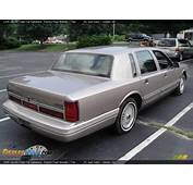 1995 Lincoln Town Car Signature Pumice Pearl Metallic
