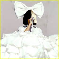 Sia performs cheap thrills on the voice finale video