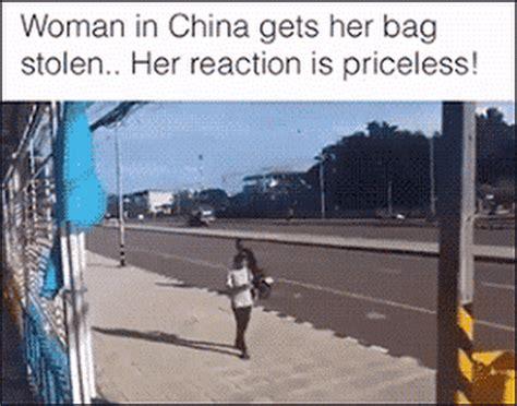 Motorrad Fahren Gedicht by Chinesische Frau Kriegt Ihre Handtasche Gestohlen Und