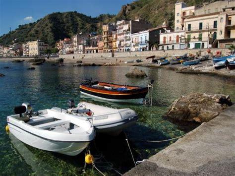 hotel eliseo giardini naxos esp visitar los lugares con m 225 s encanto de sicilia