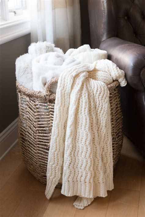 living room throw blankets hello home decor update blanket apartments and living rooms