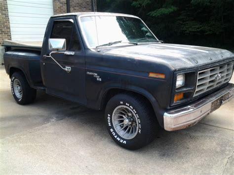 Classic Rare Flareside 81 Ford Custom F100 Pickup Truck