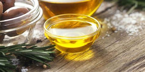 Minyak Zaitun Untuk Goreng pakai minyak goreng untuk bersihkan perabotan rumah yuk