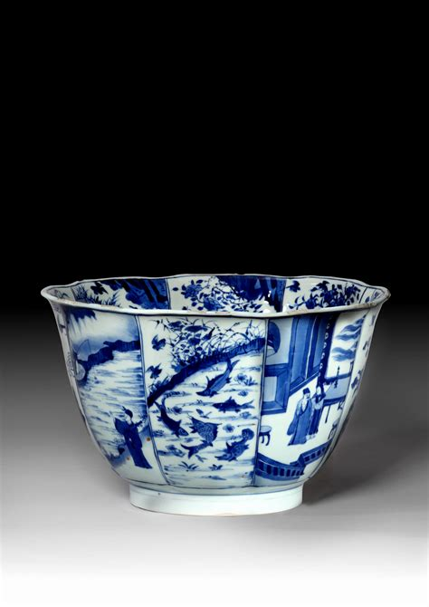 blue and white porcelain a large chinese blue and white porcelain bowl qing