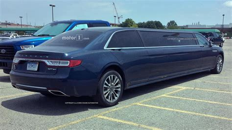 2019 Lincoln Town by 2019 Lincoln Town Limo Drive Car Performance 2019